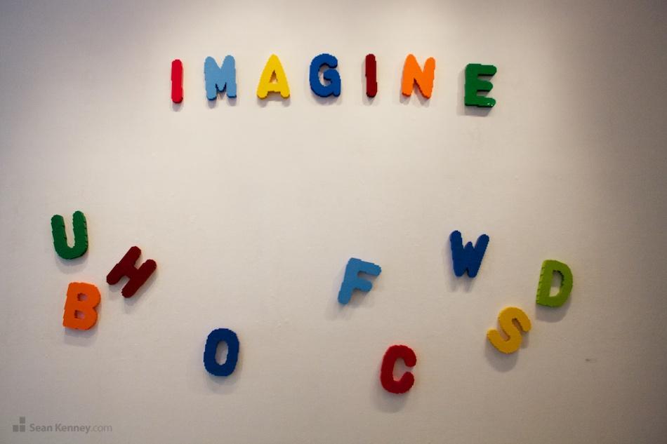 Sean Kenney - Art with LEGO bricks : Fridge magnet letters