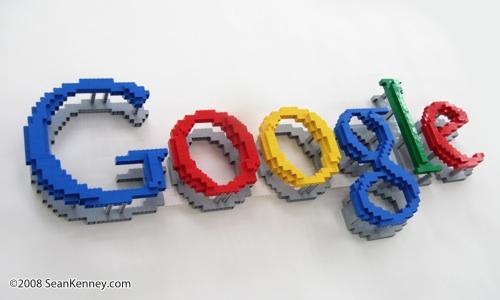 Sean Kenney - Art with LEGO bricks : Google logo (floating)
