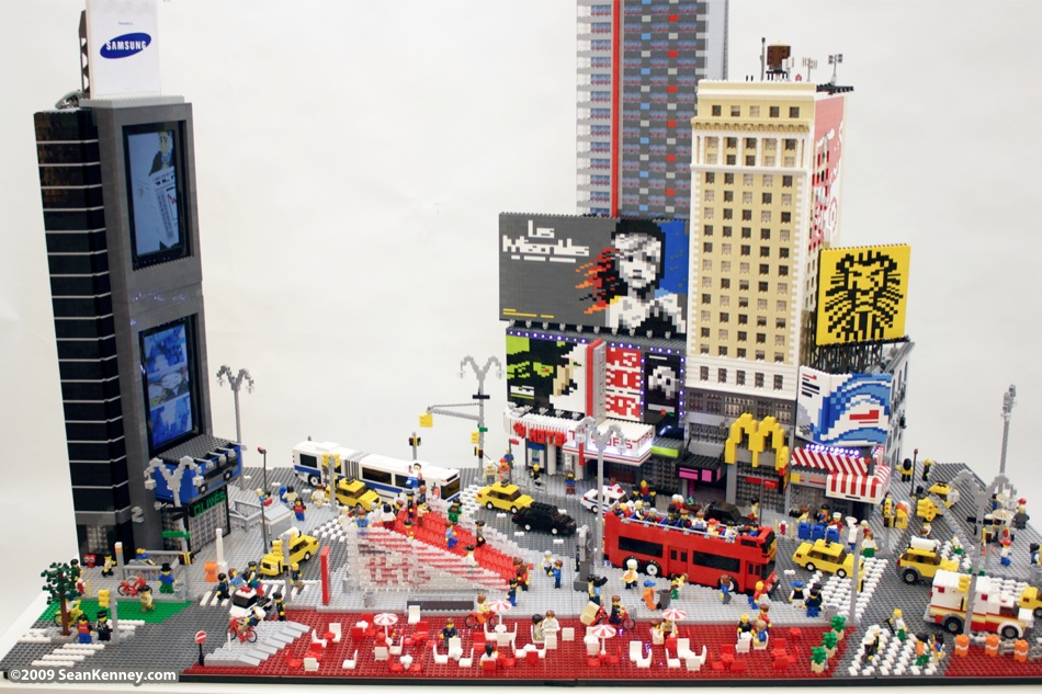 Sean Kenney - Art with LEGO bricks : Times Square